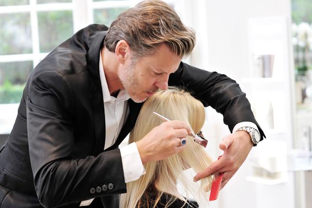 Thomas Stüber ist Aachener Friseur mir Leidenschaft und Liebe zum Detail